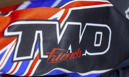 Votre tenue Motocross personnalisée avec 2F - Two Friends