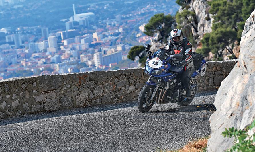 8 jours de course et 3 000 kilomètres : bienvenue au Moto Tour
