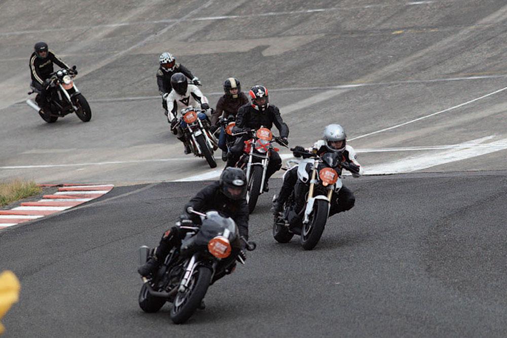 Le Café Racer Festival se déroule depuis 3 ans sur l'autodrome de Monthléry, le 3ème week-end de juin. Un salon regroupant les préparateurs les plus fous !
